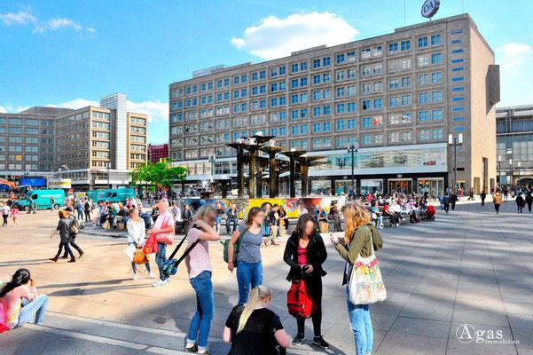 Immobilienmakler Berlin-Mitte, Alexanderplatz, Blick zum Alexanderhaus