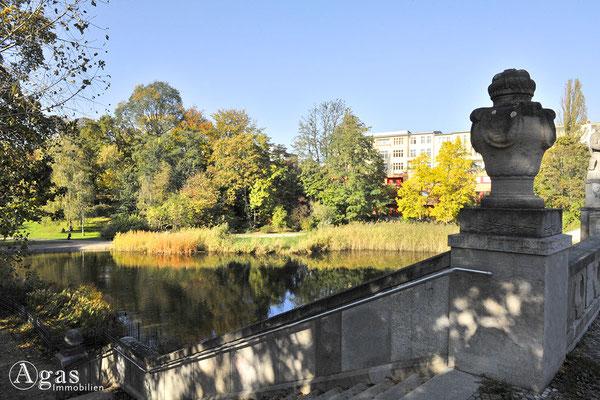 Berlin-Schöneberg -  Treppe zum Ententeich im Rudolph-Wilde-Park