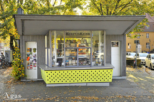Berlin-Zehlendorf - Sogenannter KulturKiosk im originellen 60ger Jahre Style