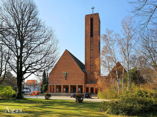 Immobilienmakler Berlin-Dahlem - Jesus-Christus-Kirche Dahlem