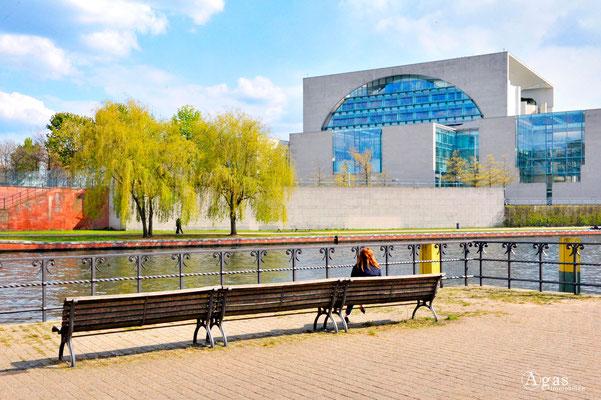 Berlin-Tiergarten - Hinterm Bundeskanzleramt