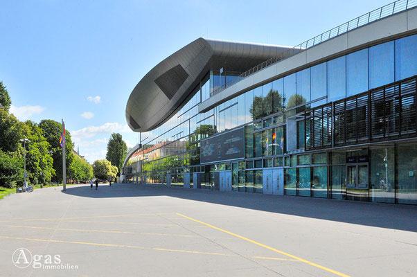 Prenzlauer Berg - Max-Schmelinghalle am Falkplatz