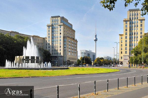 Central Berlin - Blick zum Berliner Fersehturm in Mitte