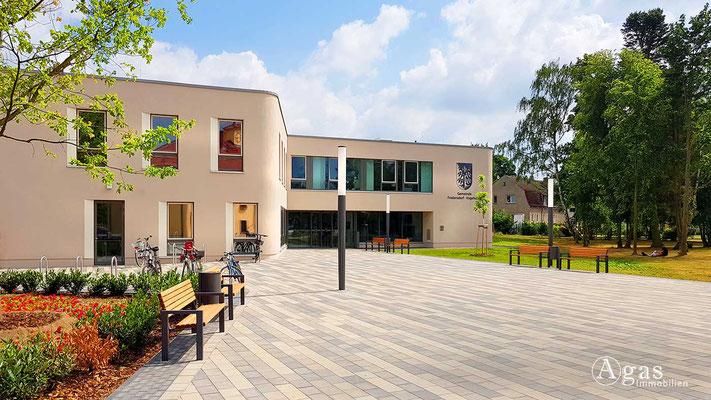 Fredersdorf-Vogelsdorf - Verwaltungsgebäude am Rathaus