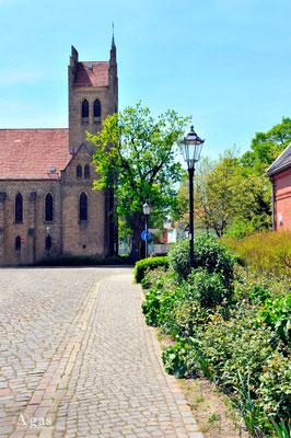 Berlin-Marzahn - An der Dorfkirche Alt-Marzahn
