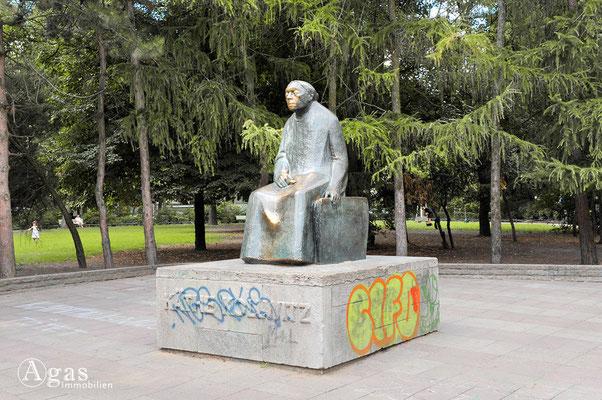 Prenzlauer Berg - Käthe Kollwitz Denkmal im gleichnamigen Park