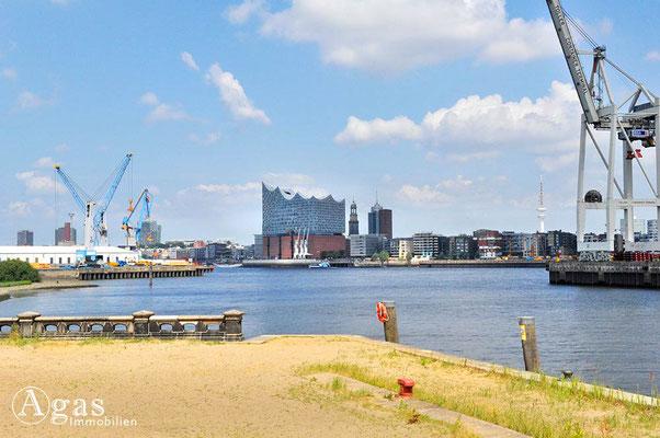 Immobilienmakler Hamburg - Am Hansahafen - Blick über die Norderelbe zum Strandhafen