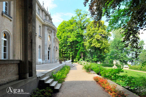 Berlin-Wannsee - Gedenk- und Bildungsstätte Haus der Wannsee-Konferenz, Garten Wasserseitig