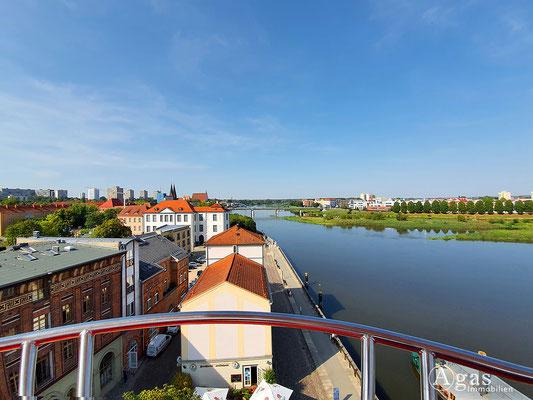Immobilienmakler Frankfurt (Oder) - Blick über die Dächer, über die Oder nach Słubice