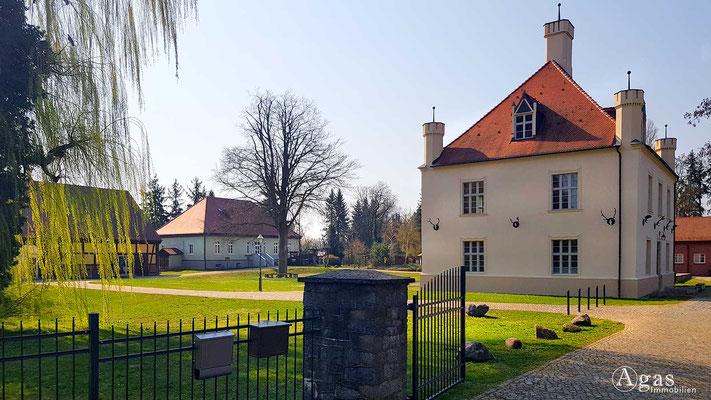 Immobilienmakler Schorfheide - Jagdschloss & Museumsscheune