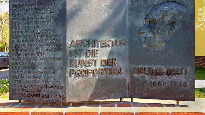 Onkel Toms Hütte -  Bruno-Taut-Denkmal