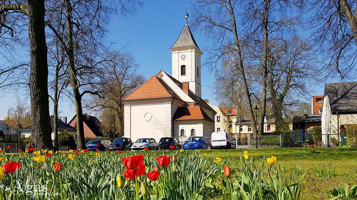 Immobilienmakler Hermsdorf - Dorfkirche an der Almutstraße