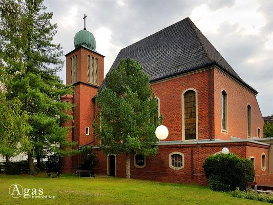 Immobilienmakler Lichtenrade - Kathl. Salvator-Kirche Lichtenrade