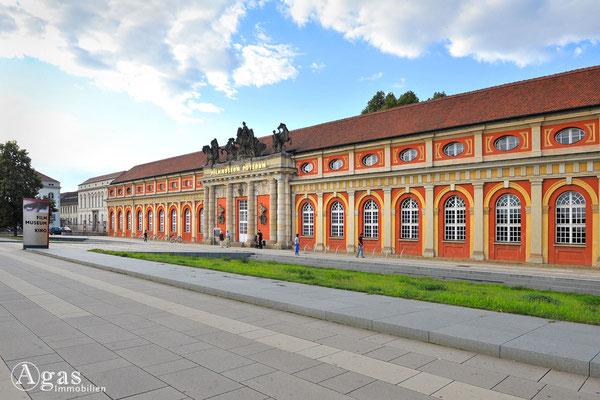 Immobilienmakler Potsdam - Filmmuseum im Marstall des Stadtschlosses