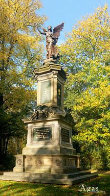 Bernau - Historisches Kriegerdenkmal mit der Siegesgöttin Viktoria (1890)
