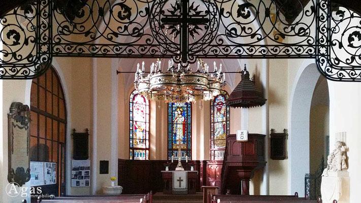 Immobilienmakler Marquardt-Potsdam - Innenansicht der Dorfkirche Marquardt