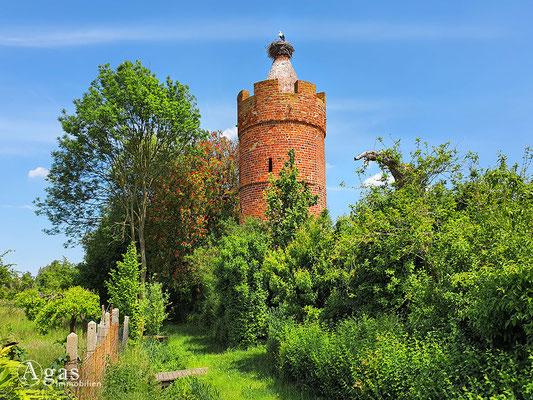 Immobilienmakler Treuenbrietzen - Historischer Pulverturm mit Storchennest