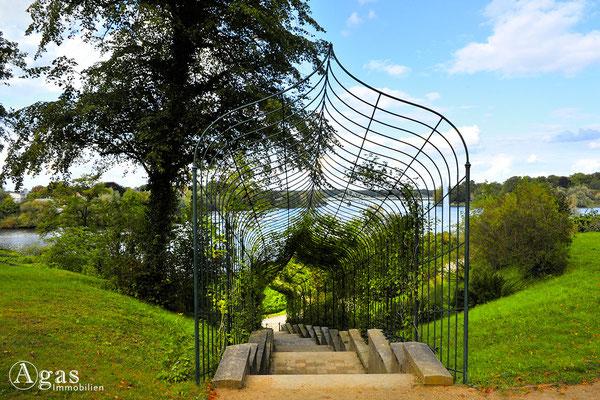 Potsdam-Babelsberg - Rekonstruierte Rosentreppe im Park Babelsberg