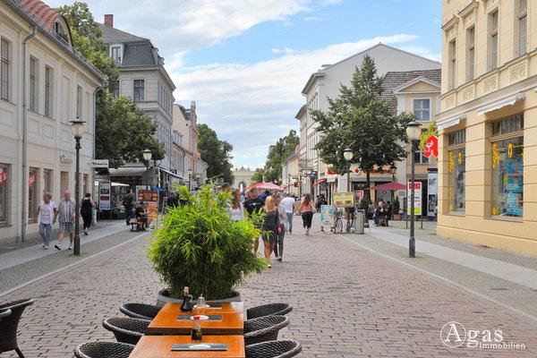 Immobilienmakler Potsdam - Flanieren in der Brandenburger Straße