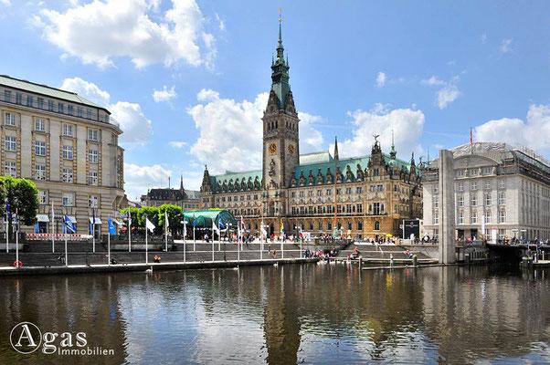 Hamburg - Alstertreppen an der kleinen Alster
