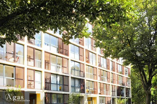 Aschaffenburger 23-24, Fassade mit integrierten Wintergärten