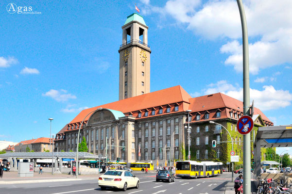 Immobilienmakler Berlin-Spandau - Rathaus Spandau, Bürgeramt (2)
