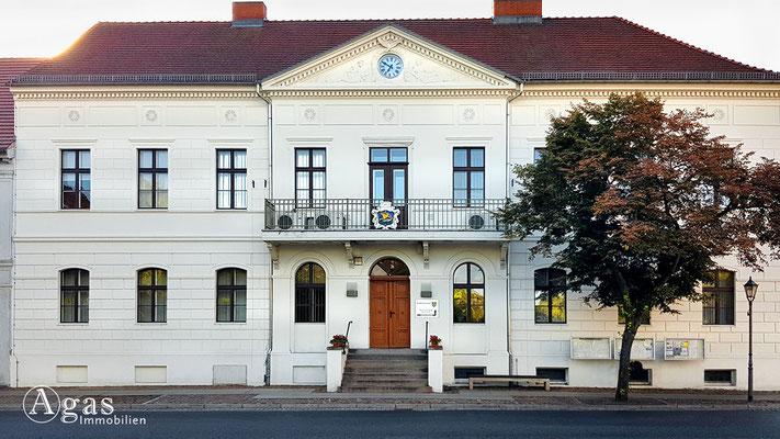 Immobilienmakler Kremmen - Rathaus