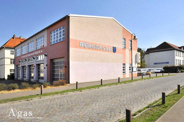 Schildow - Bürgersaal & Freiwillige Feuerwehr an der Franz-Schmidt-Straße