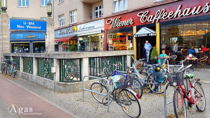 Makler Berlin Neu-Westend - U-Bahnstation Neu-Westend & Wiener Caffeehaus an der Reichsstraße