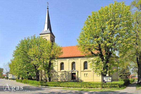Mühlenbeck - Das Kirchenschiff der evgl. Dorfkirche
