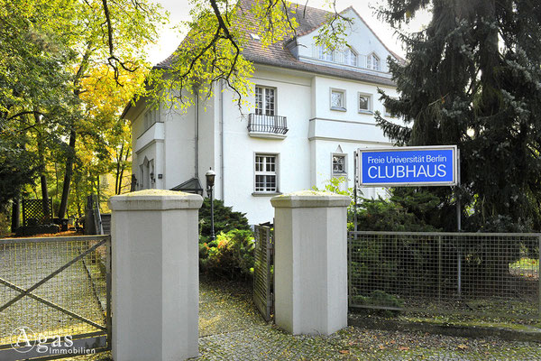 Berlin-Zehlendorf - Clubhaus der FU Berlin am Waldsee