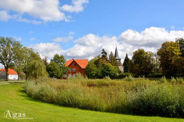 Falkensee - Blick auf die Ev. Dorfkirche