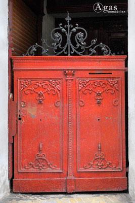 Immobilienmakler Oranienburg - Schmiedeeisernes kleines Eingangstor