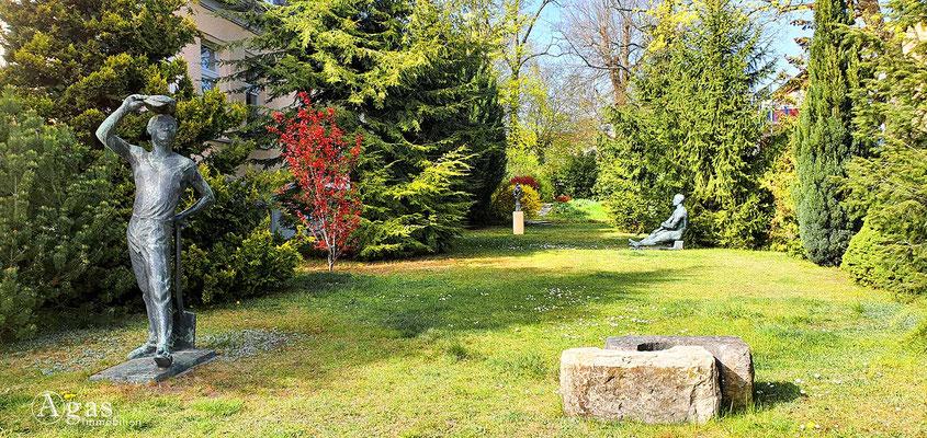 Immobilienmakler Blankenfelde-Mahlow - Skulpturen im Park des Kulturvereins Blankenfelde e.V.