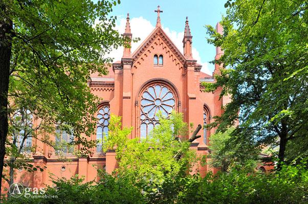 Prenzlauer Berg - Neoromanische Fensterrose der Ev. Gethsemanekirche