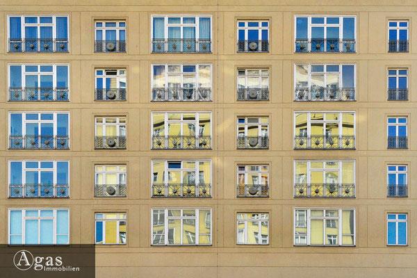 Central Berlin - Originale Fassadendetails aus DDR-Zeiten