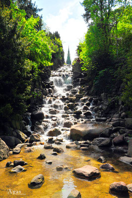 Berlin Kreuzberg - Viktoriapark Wasserfälle am Nationaldenkmal für die Befreiungskriege (3)