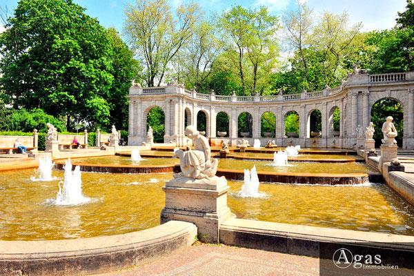 Am Märchenbrunnen - Am Friedrichshain - Im Park am Brunnen