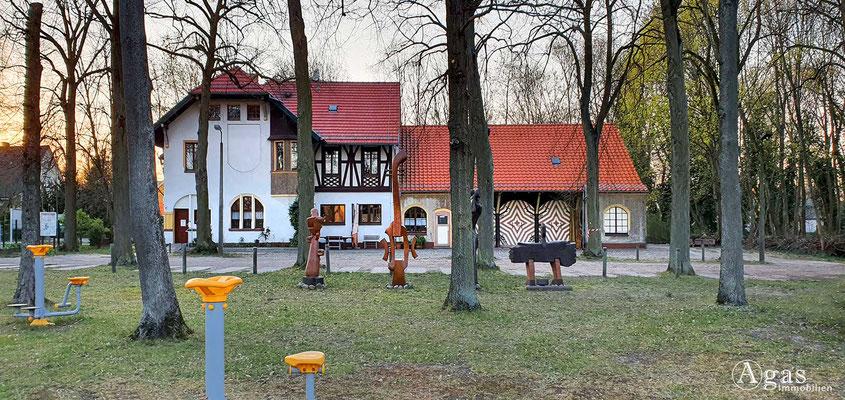 Immobilienmakler Neuenhagen - Park der Generationen (Schumann Villa)
