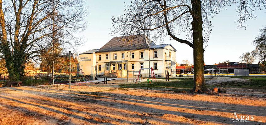 Immobilienmakler Neuenhagen - Grundschule am Schwanenteich