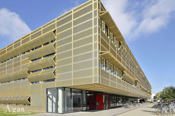 Potsdam-Golm -  Institut für Physik und Astronomie der Universität Potsdam