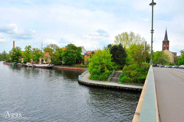 Köpenicker Uferweg, Blick zur Müggelspree