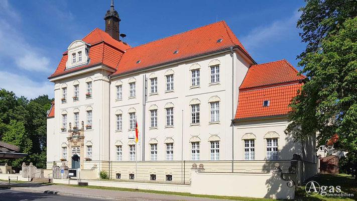Immobilienmakler Altlandsberg - Rathausgebäude