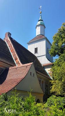 Immobilienmakler Mariendorf - Ev. Dorfkirche (vierteilige Apsiskirche)