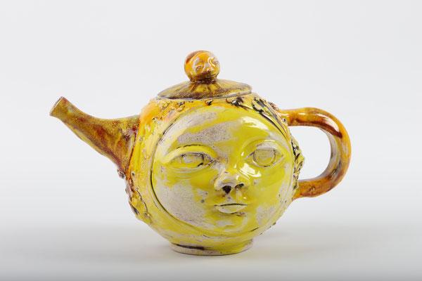 Selene kissed by Sun, handmade teapot in ceramic and glazes, 2020