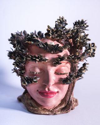 Free Dafne , handmade ceramic sculpture, 2018