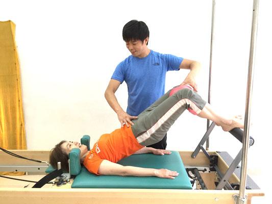 体幹トレーニング、ヒップリフト