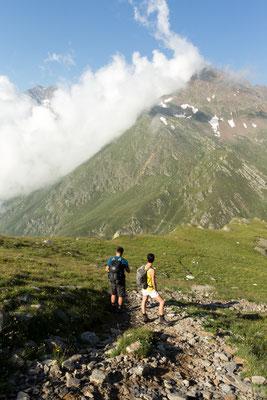 Wanderer genießen die Aussicht