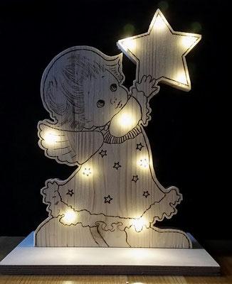 Engelchen 30 cm hoch - mit Brennmalkolben gebrannt und mit 10 LED Lichterkette (batteriebetrieben) beleuchtet - 28 €