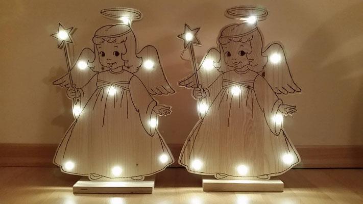 Engelchen 41 cm hoch - mit Brennmalkolben gebrannt und mit LED Lichterkette (batteriebetrieben) beleuchtet - 35 €